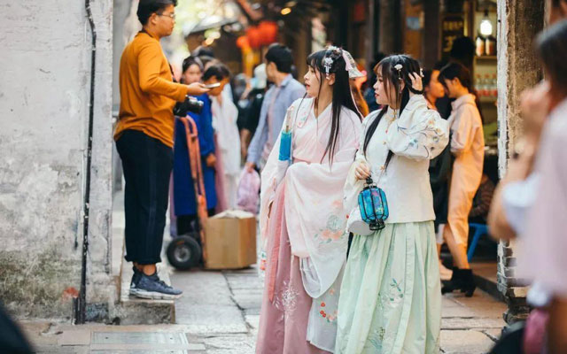 The Current Situation and Future of Hanfu Industry