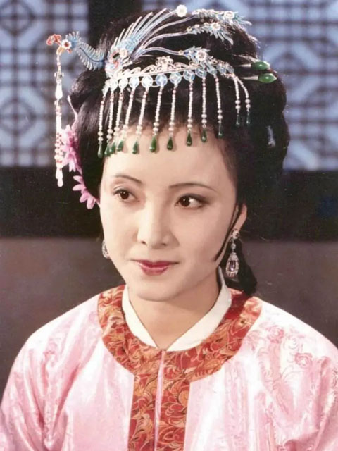 The Hanfu Aesthetics in the Dream of the Red Chamber (1987)