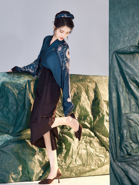 How to Match Hanfu Outfits for the Workday
