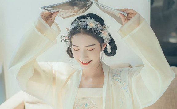 Simple Beautiful Hanfu Hairstyle for You – (2)