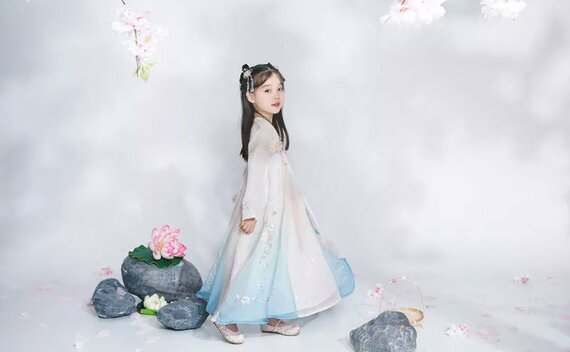 4 of The Best Parent & Child Hanfu Costume Ideas