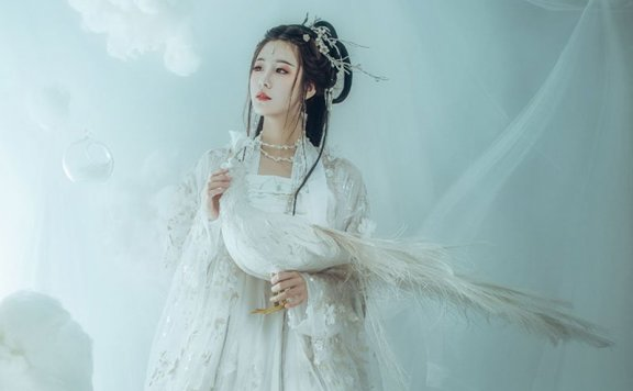 Hairstyle Tutorial for Traditional Chinese Hanfu Dress – 2