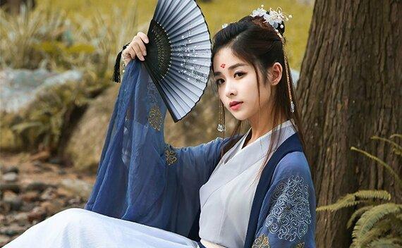 Hanfu Makeup | Beauty between the Eyebrows