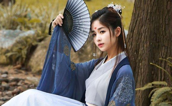 Hanfu Makeup   Beauty between the Eyebrows
