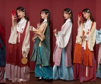 The Application of Annual Popular Color in Hanfu — Classic Blue
