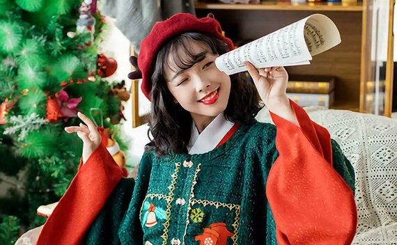 Christmas Element Hanfu – The Best Gift for Winter