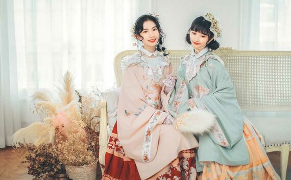 2020 Chinese Fashion – Wear Hanfu with Auspicious Patterns