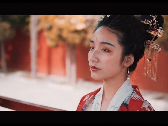 Hanfu Girl Spring Park Shooting