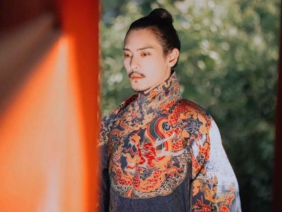 Feiyu Robe – Cool Chinese Boy Clothes