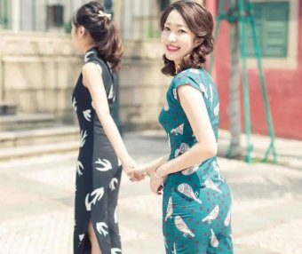 Chinese Cheongsam Dress is a Beauty of Traditional Costume