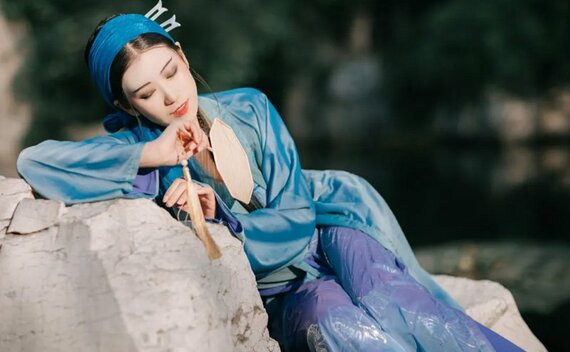 The Legend of the White Snake – Traditional Hanfu Photography