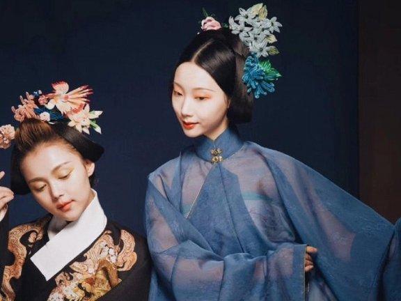 4 Beautiful Artificial Flowers in Han Fu Hair Accessories