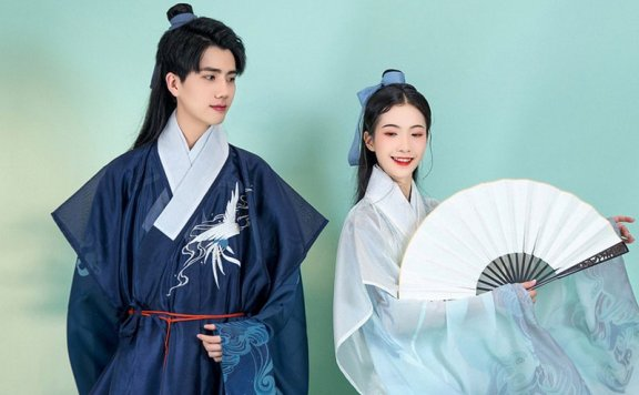 How Beautiful is Blue Hanfu in Traditional Chinese Hanfu?