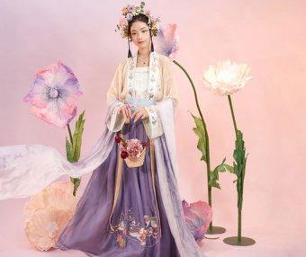 How to Wear Hanfu (3) – Tang Dynasty Qiyao Ruqun