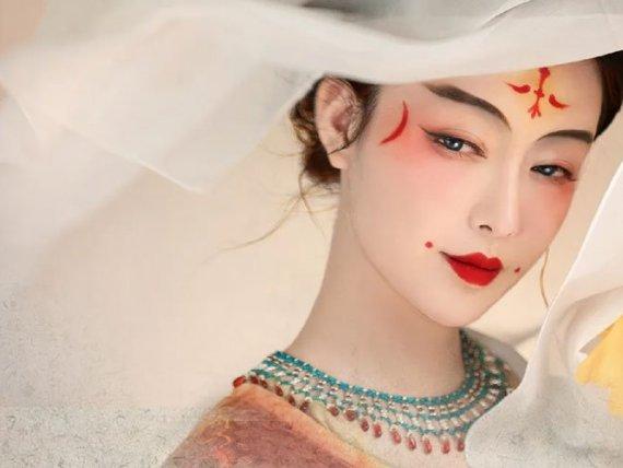 Modern Hanfu Drawing & Cosplay – Restore the Tang Dynasty
