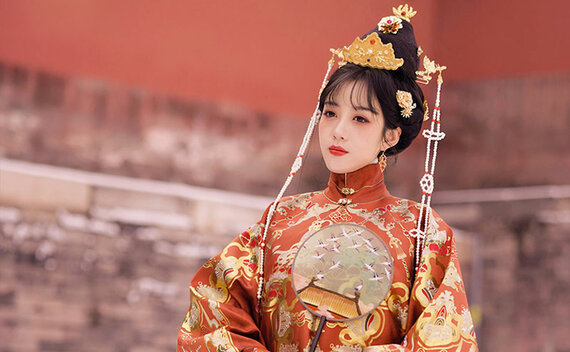 4 Sets of Gorgeous Hanfu Women Suits for 2021
