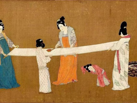 Painting Appreciation: Court Ladies Preparing Newly Woven Silk