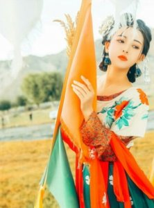 Different Color Styles of Hanfu
