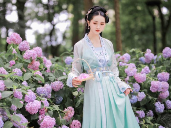 My Story with Hanfu – Camille