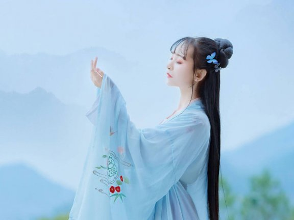 My Story with Hanfu: Hanfu Makes Me Beautiful – Xiayang