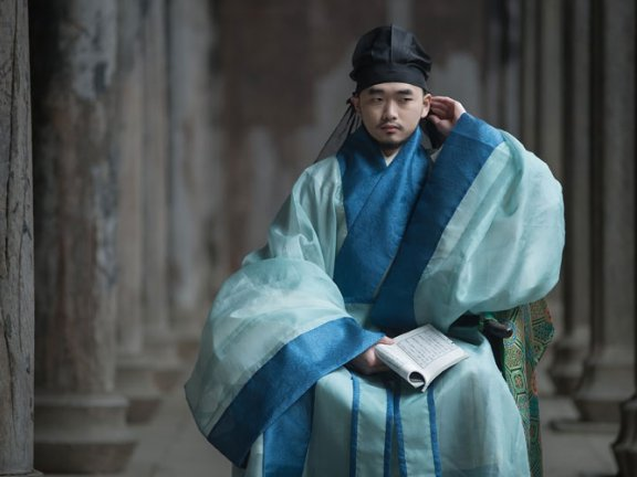 Shenyi – Ancient Hanfu Style Revered by Confucians