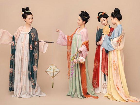 History of Chinese Dress: Kaleidoscope of Tang Costume
