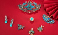 Top 10 Most Popular Traditional Accessories in History