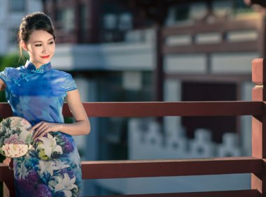 Top 5 Things To Check Before Your Buy A Modern Qipao (Cheongsam)!